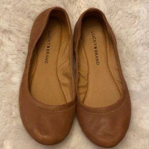 Lucky Brand Brown Flats Size 7